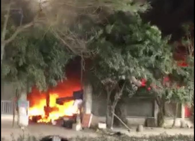 Cháy chợ Quang khiến nhiều người vô cùng hoảng loạn.