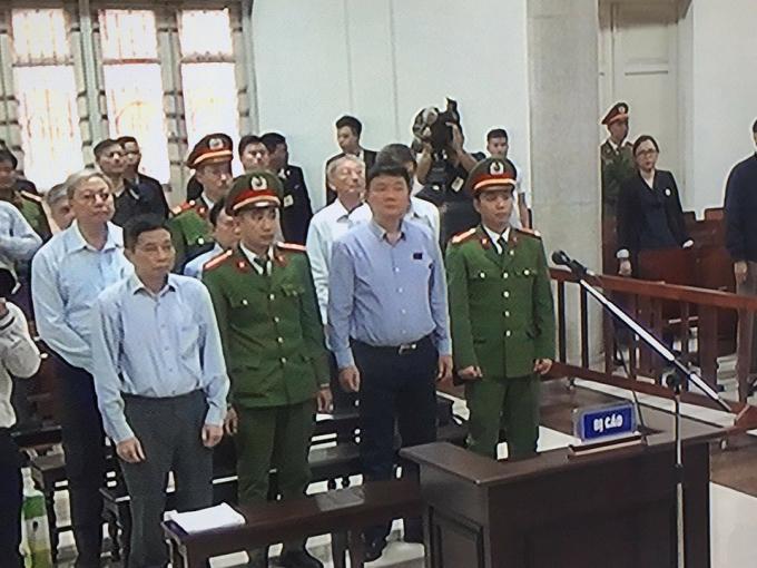 Bị cáo Đinh La Thăng và đồng phạm tại phiên tòa sơ thẩm hồi tháng 3/2018.