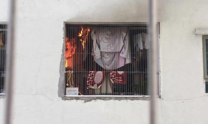 Cháy lớn khiến người dân vô cùng hoảng loạn.