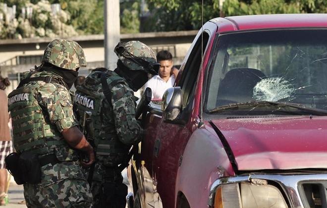 Quân đội Mexico kiểm soát thành phố Acapulco sau khi lực lượng cảnh sát ở đây bị bắt.