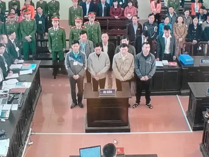 Các bị cáo trong phiên xét xử.