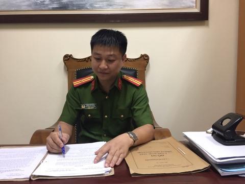Thiếu tá Trần Viết Minh - Phó trưởng công an phường Dịch Vọng Hậu.