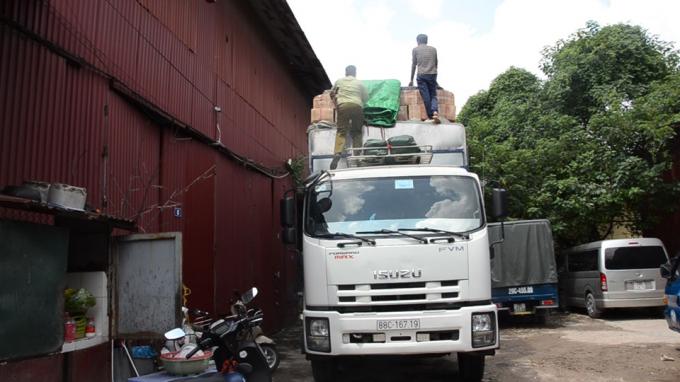 Bắt giữ 50 tấn bánh kẹo...nhập lậu Trung Quốc về Việt Nam tiêu thụ dịp tết Trung Thu.