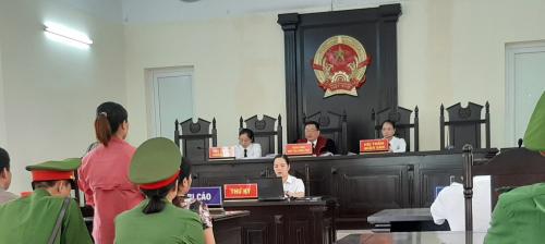 Phiên toà xét xử các bị cáo bị truy tố về tội