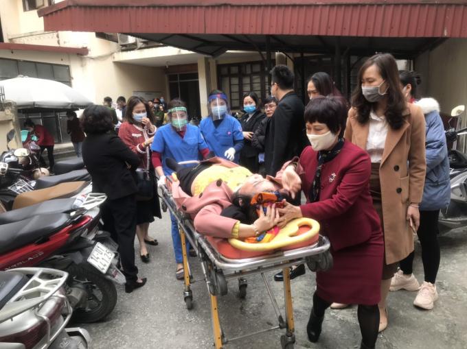 Phó Chủ tịch HĐQT trường Newton bà Lê Thị Bích Dung bị đối tượng lạ hành hung.
