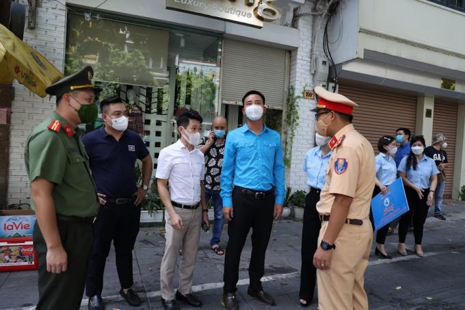 Phó Thủ tướng Lê Minh Khái đã ký Quyết định 1414/QĐ-TTg ngày 19/8/2021 bổ sung kinh phí cho Bộ Công an để phòng, chống dịch bệnh COVID-19...