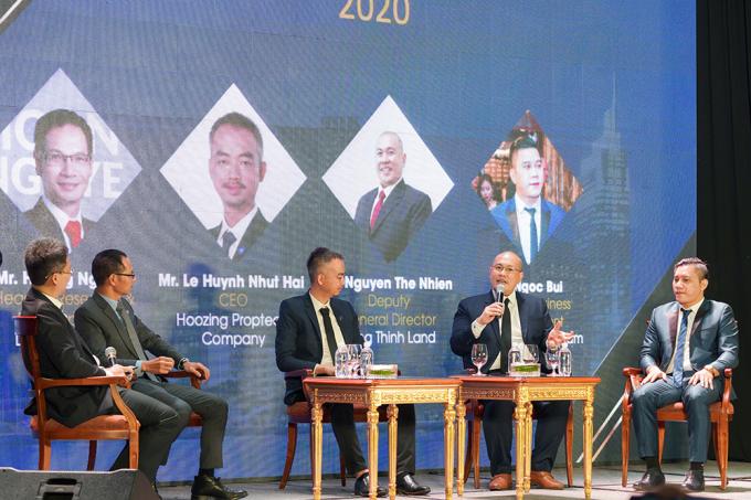 """Ông Nguyễn Thế Nhiên – Phó Tổng Giám đốc Hưng Thịnh Land chia sẻ trong tọa đàm """"Innovation in Real Estate Industry 2020"""""""