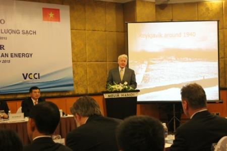 Tổng thống Iceland phát biểu tại Hội thảo (ảnh: NP)