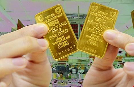 Vàng SJC 1 chữ (bên phải) khôngđược các nhà vàng thu mua hoặc bị áp phí cao khi bán lại (Ảnh minh họa)