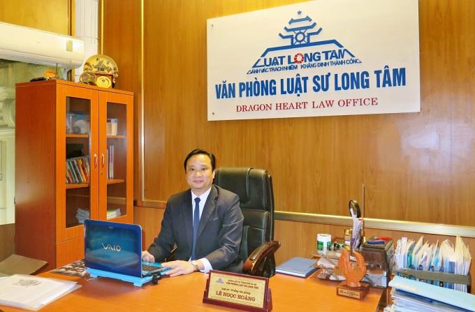 Luật sư Hoàng cho biết: Trách nhiệm không chỉ thuộc về riêng Chủ đầu tư và cần xử lý trường hợp này như đã xử lý với 8B Lê Trực.
