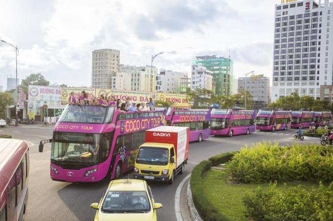 Coco City Tour lăn bánh trên các cung đường tuyệt đẹp của Thành phố Đà Nẵng.