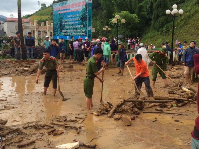 Ngay sau khi nhận được thông tin, huyện Mù Cang Chải đã huy động các lực lượng đến ứng cứu.