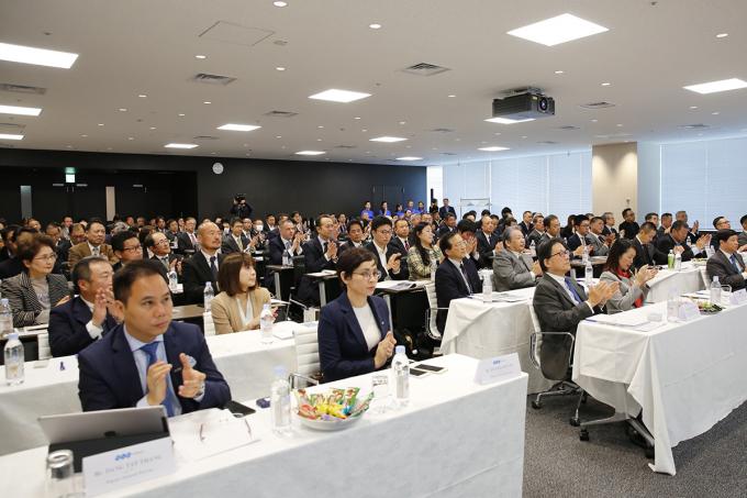 Hơn 200 đối tác, khách hàng tham dự sự kiện.