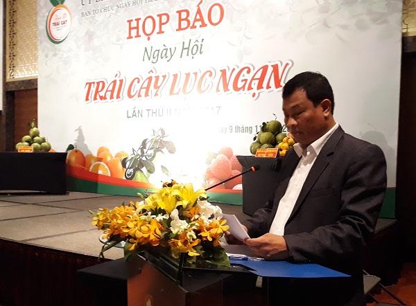 Ông Cao Văn Hoàn - Phó Chủ tịch thường trực UBND huyện Lục Ngạn tại họp báo ngày hội trái cây Lục Ngạn (Ảnh nguồn Báo Tài nguyên và Môi trường).