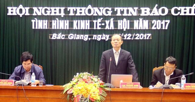 Phó Chủ tịch UBND tỉnh Bắc Giang - ông Lại Thanh Sơn chủ trì cuộc họp. (Ảnh nguồn Báo Bắc Giang).