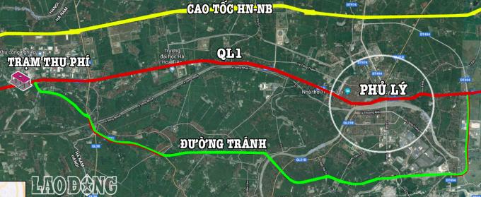 Đồ họa tuyến tránh TP.Phủ Lý và vị trí đặt trạm thu phí. Trong đó, đoạn đường có cả 2 nét xanh là đường cũ được tận dụng làm tuyến tránh.