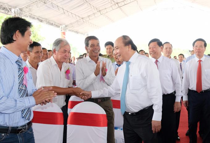 Thủ tướng đã tới dự lễ công bốthị xã Bình Minh hoàn thành nhiệm vụ xây dựng nông thôn mới.