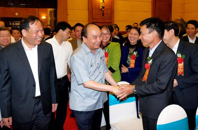 Thủ tướng Nguyễn Xuân Phúc cùng các đại biểu dự hội nghị. Ảnh: VGP.