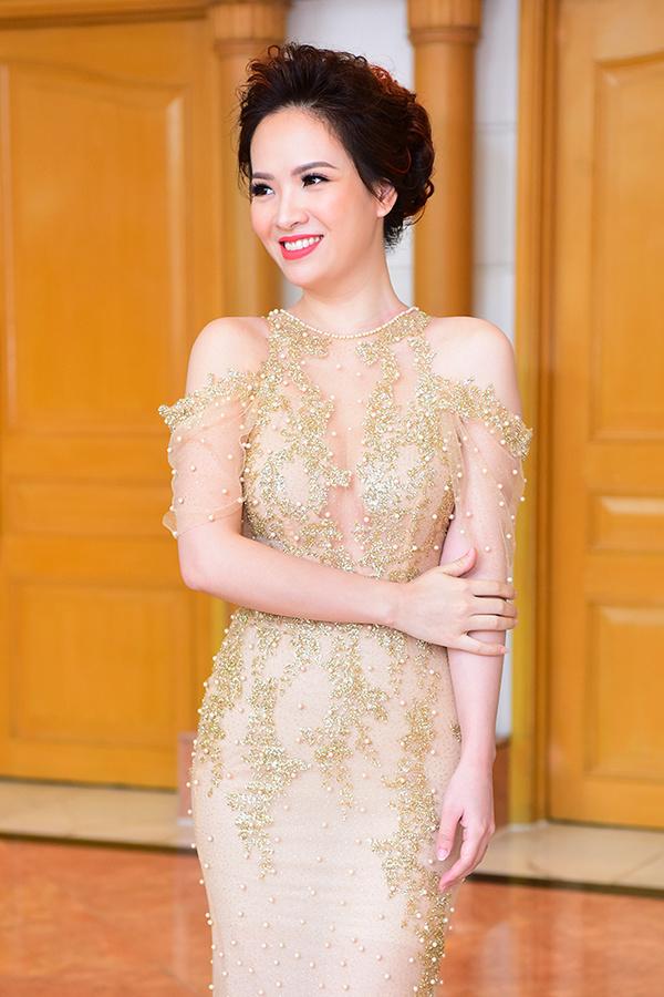 Diễn viên, MC Đan Lê sinh năm 1983. Trong phim, cô vào vai Diễm My - vợ Phan Hải (Việt Anh), con dâu ông trùm Phan Quân (NSND Hoàng Dũng). Diễm My cam chịu, tận tụy chăm sóc gia đình đến mức bỏ bê bản thân. Cô nhiều lần tha thứ cho thói trăng hoa của chồng nhưng Phan Hải vẫn