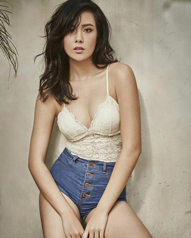 Cô khởi nghiệp từ năm 16 tuổi với vai trò người mẫu.