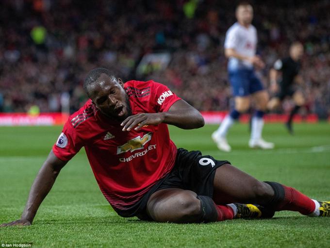 Lukaku đã có 1 pha bỏ lỡ bàn thắng đáng tiếc ngay hiệp 1. (Ảnh: Ia Hodgso)