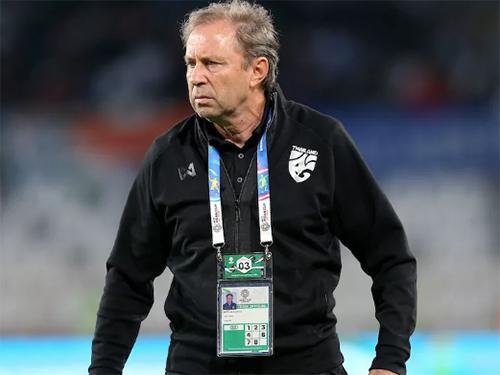 HLV Milovan Rajevac bị sa thải sau trận thua đáng thất vọng trước Ấn Độ.