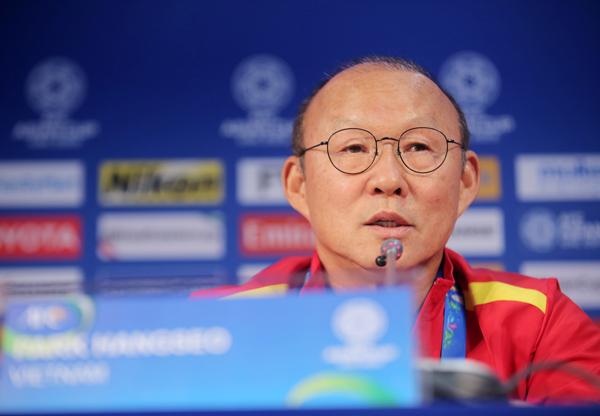 HLV Park Hang-seo tại cuộc họp báo. (Ảnh: VFF)
