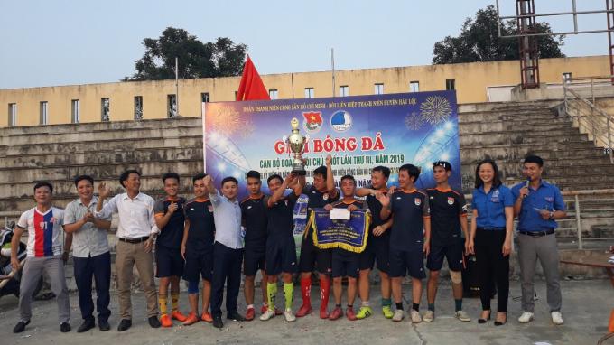 Đội bóng Cụm vùng biển xuất sắc giành chức vô địch.