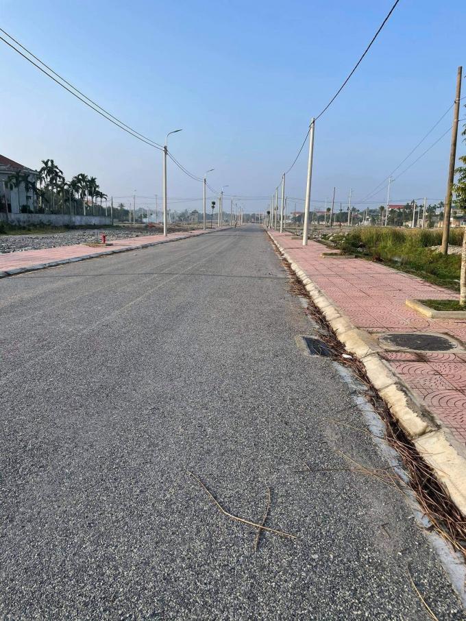 Hiện trạng cơ sở hạ tầng tại Dự án.