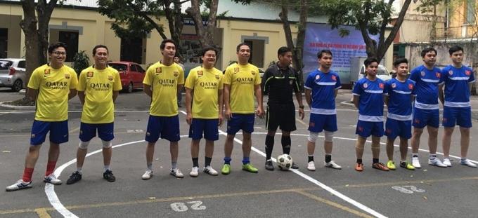 Đội Kiểm soát TTHC( áo vàng quần xanh) đã