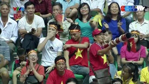 Cổ động viên Hà Nam dành tình yêu cho Giải bóng chuyền nữ Quốc tế VTV