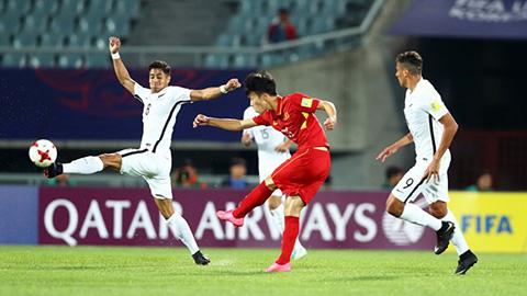 Hoàng Đức bỏ lỡ cơ hội để giúp U20 Việt Nam chiến thắng.