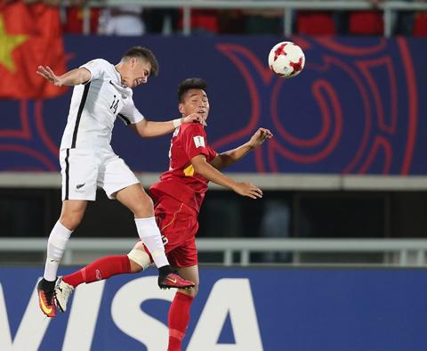 Chiều cao của cầu thủ Việt Nam vẫn khiêm tốn hơn so với các đối thủ.