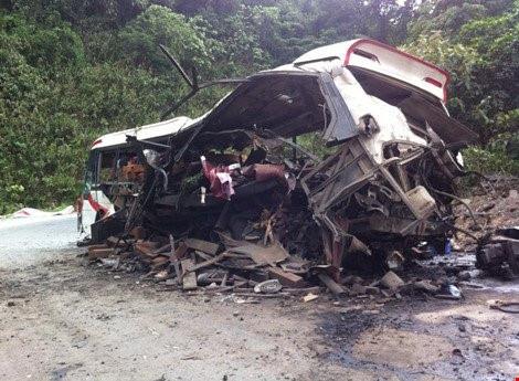Vụ nổ xe khách khiến 8 người Việt chết tại Lào: Cửa khẩu Cha Lo tạm dừng các giao dịch