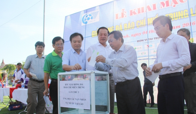 Tại buổi khai mạc, Ban tổ chức cũng đã kêu gọi các quyên góp ủng hộ nạn nhân trong vụ nổ xe khách tại Lào làm 8 người chết 3 người bị thương.
