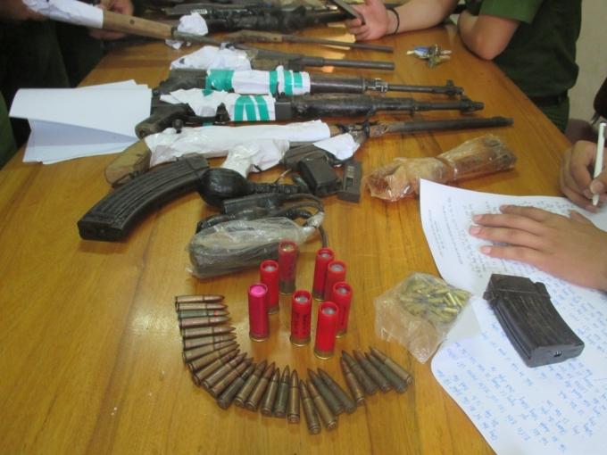 Kho vũ khí của ông trùm đường dây buôn bán vận chuyển trái phép chất ma túy.