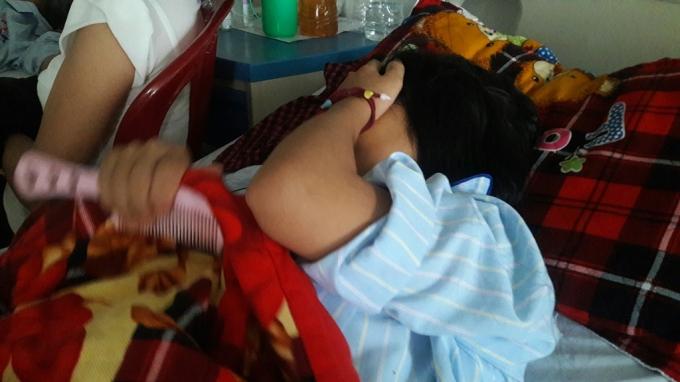 Hiện tại 3 nữ sinh đã phải nhập viện điều trị sau trận đòn kinh hoàng.