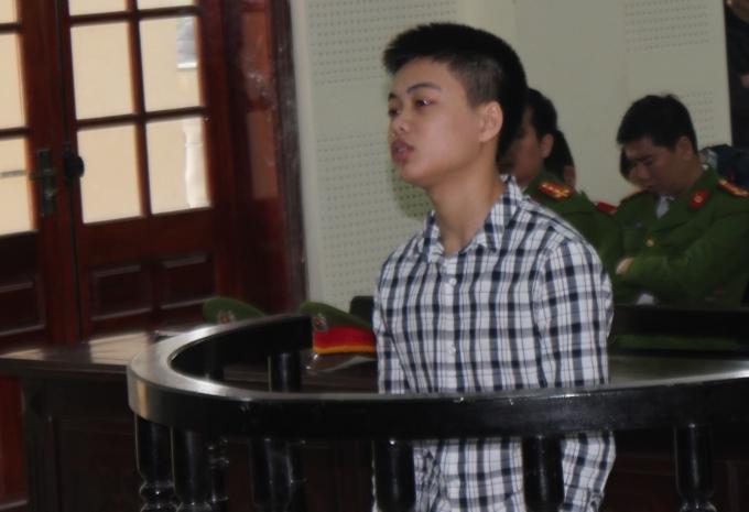 Bị cáo Phan Tiến Đức tại phiên xét xử ngày 29/11.