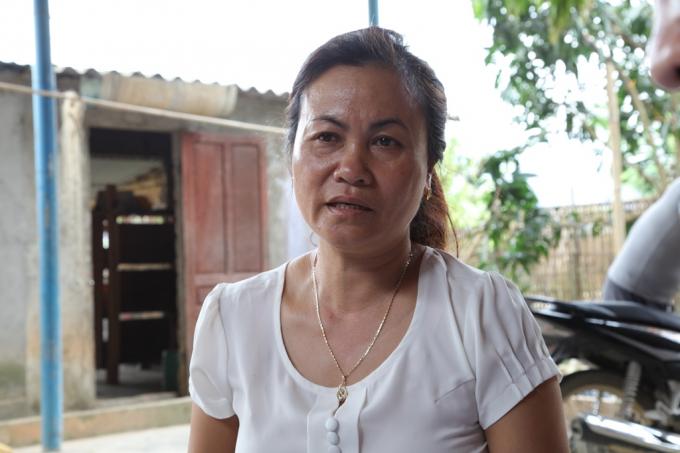 Chị Vi Thị Dung khẳng định gia đình mình tự xây dựng công trình, tuy nhiên không nhận được bất kỳ đồng tiền hỗ trợ nào, không có ai đến gia đình chị để kiểm tra cả.
