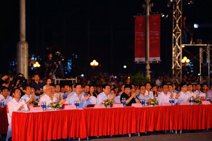 Các đại biểu tham dự chương trình.