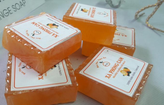Xà phòng cam một trong những sản phẩm độc đáo của người nông dân xứ Nghệ.