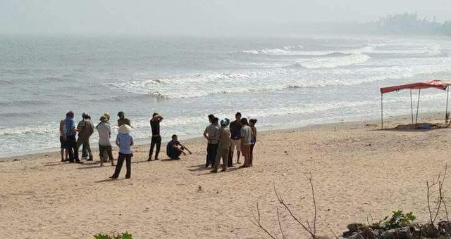 Bãi biển Quỳnh Phương nơi phát hiện thi thể cụ ông.