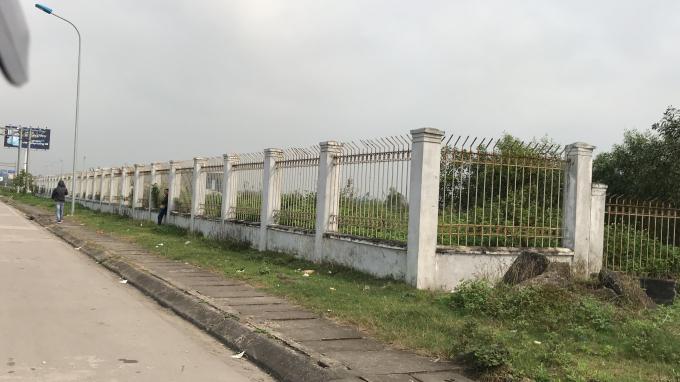Phần hàng rào bao quanh sân bay Vinh.