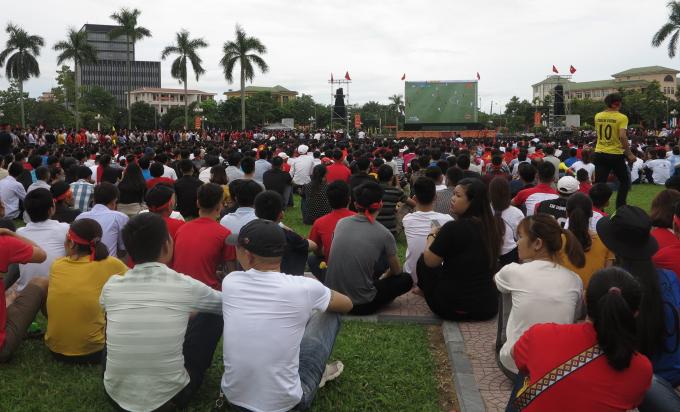 Dự kiến sẽ có hơn 10.000 CĐV xứ Nghệ tập trung tại điểm lắp màn hình để cổ vũ cho đội tuyển quốc gia.
