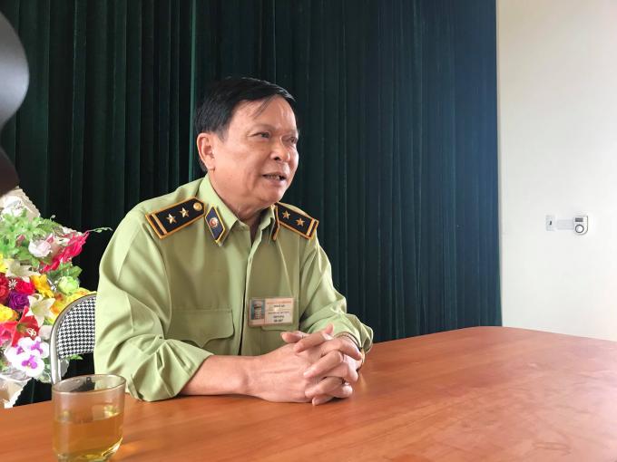 Ông Nguyễn Mạnh Hùng - Đội trưởng Đội QLTT số 8 cho biết: Có thể việc yêu cầu thầy lang ký cam kết là do