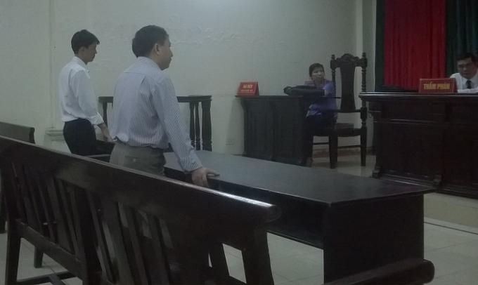 Ông Lê Anh Tuấn và bị đơn trong phần tranh luận tại phiên tòa phúc thẩm