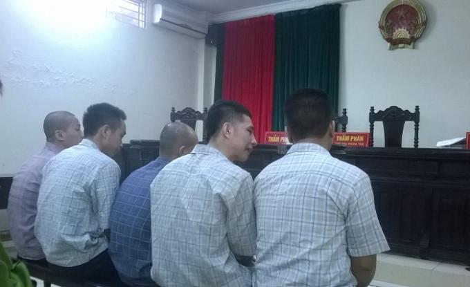 Các bị cáo tại phiên tòa phúc thẩm (Ảnh: Nguyễn Xinh)