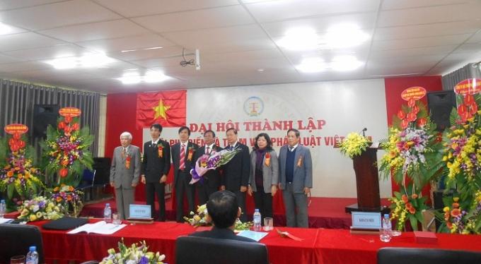 Ban chấp hành Hội Phổ biến và Tham vấn pháp luật Việt Nam ra mắt tại Đại hội.