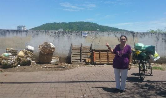 Bà Hương trước khu đất giao cho Công ty Thái Dương.