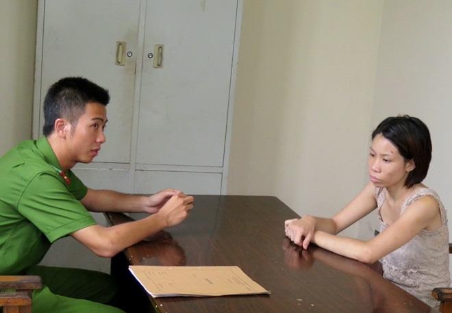 Trần Thị Ngọc Ánh tại cơ quan công an.